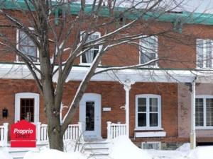 26388844 - Maison à étages à vendre