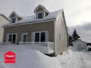 19104728 - Maison à étages à vendre