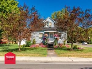 24710502 - Maison à 1 étage et demi à vendre