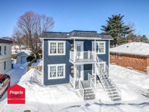 27170115 - Maison à étages à vendre