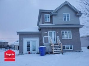 21709857 - Maison à étages à vendre