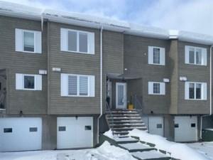 18393642 - Maison à étages à vendre