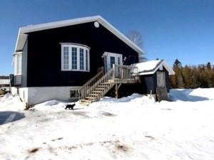 23015877 - Maison à étages à vendre