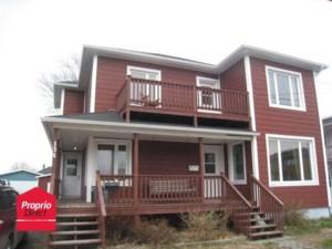 11737001 - Maison à étages à vendre