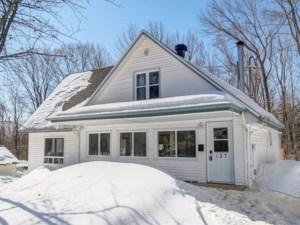 28374430 - Maison à étages à vendre