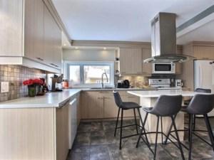 17417468 - Maison à étages à vendre