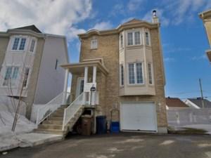 23741454 - Maison à étages à vendre