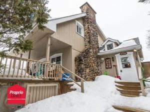 18546273 - Maison à étages à vendre