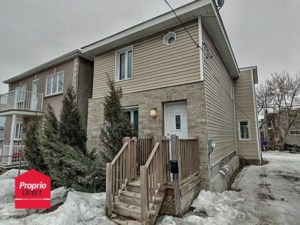 22432960 - Maison à étages à vendre