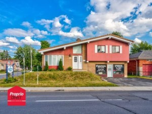 10432681 - Maison à étages à vendre
