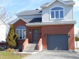 18436680 - Maison à étages à vendre