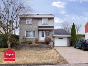 10201787 - Maison à étages à vendre
