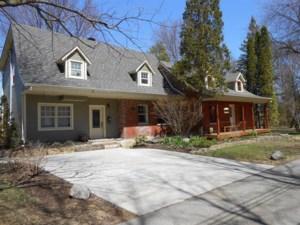 9850836 - Maison à étages à vendre