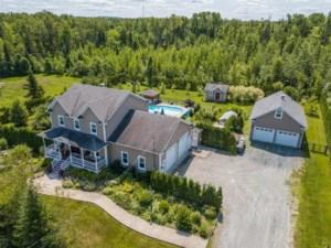 20536644 - Maison à étages à vendre