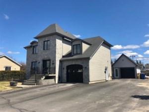28039265 - Maison à étages à vendre