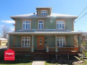19067040 - Maison à étages à vendre