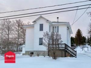 21495716 - Maison à étages à vendre