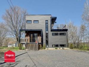 22740154 - Maison à étages à vendre