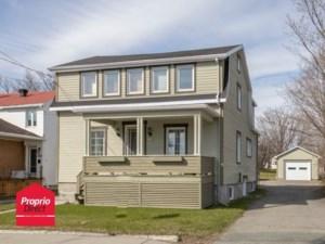 17019050 - Maison à étages à vendre