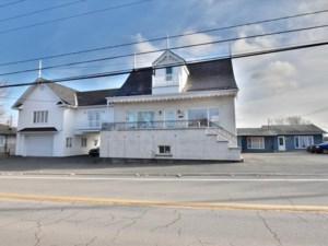 20351805 - Maison à étages à vendre