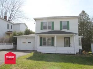 27557297 - Maison à étages à vendre