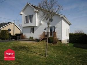 25539041 - Maison à étages à vendre