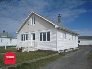 25103078 - Maison à étages à vendre