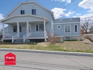 28523432 - Maison à étages à vendre