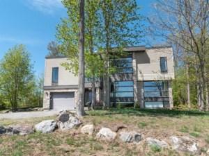 22575778 - Maison à étages à vendre