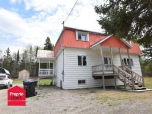 28105230 - Maison à étages à vendre