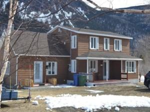 18933310 - Maison à étages à vendre