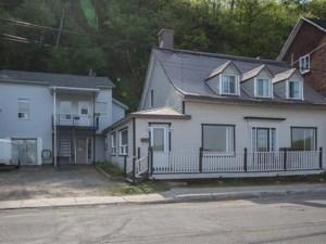 23841350 - Maison à étages à vendre
