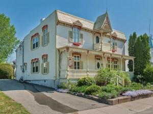 21748745 - Maison à étages à vendre