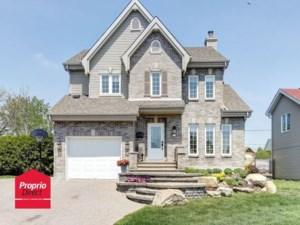 25040645 - Maison à étages à vendre