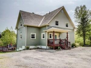 27693063 - Maison à étages à vendre