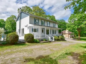 28745380 - Maison à étages à vendre