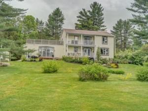 24431627 - Maison à étages à vendre