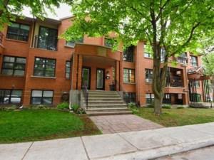 28805399 - Maison à étages à vendre