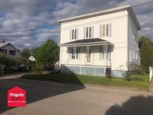 28058810 - Maison à étages à vendre