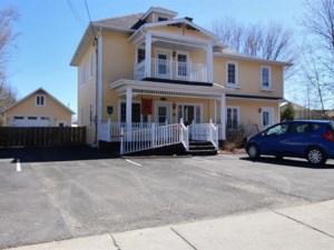 14017000 - Maison à étages à vendre