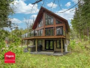 27475573 - Maison à étages à vendre