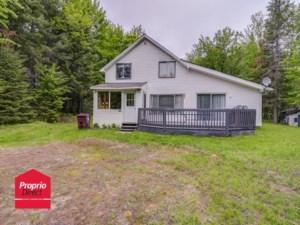 23447305 - Maison à étages à vendre