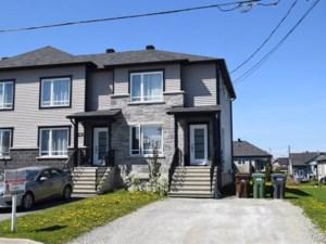 18521730 - Maison à étages à vendre