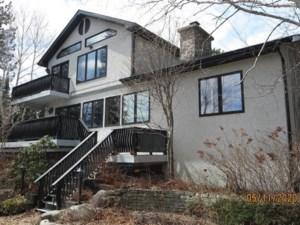 9631821 - Maison à étages à vendre