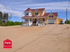 20338907 - Maison à étages à vendre