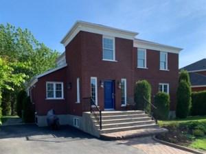 10827327 - Maison à étages à vendre