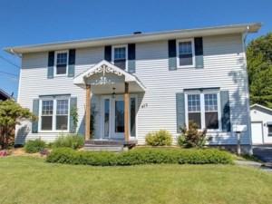 19748821 - Maison à étages à vendre