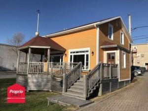 18001273 - Maison à étages à vendre