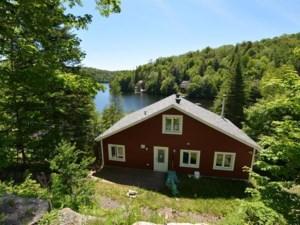 18224174 - Maison à étages à vendre