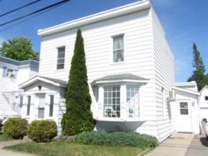28455792 - Maison à étages à vendre